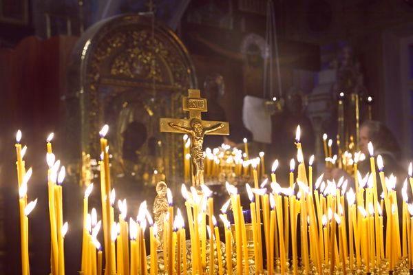 Как ставить свечи в храме? Фото свечей.